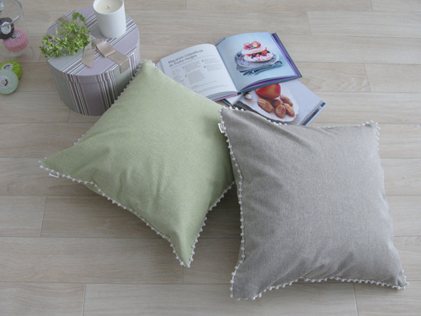 FLYMEe Blan le mum canvas chambray cushion cover pompon